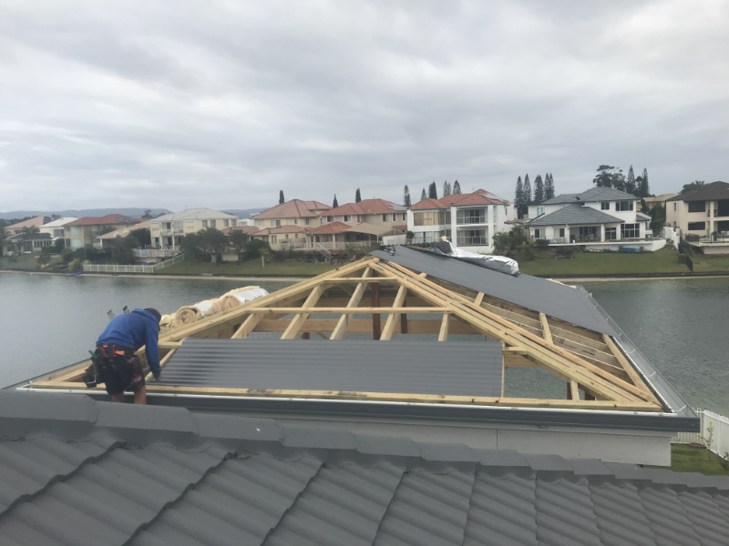 6 Tips on How to Get a New Roof Covered by Insurance